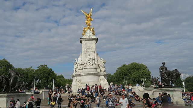 Queen Victoria Memorial Buckingham Palace