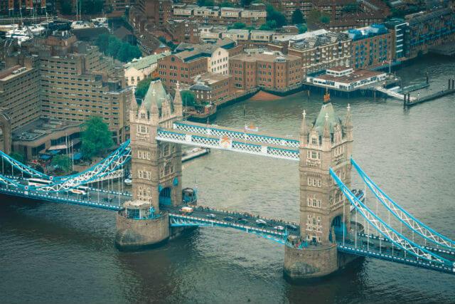 Le Tower Bridge est un des monuments à découvrir