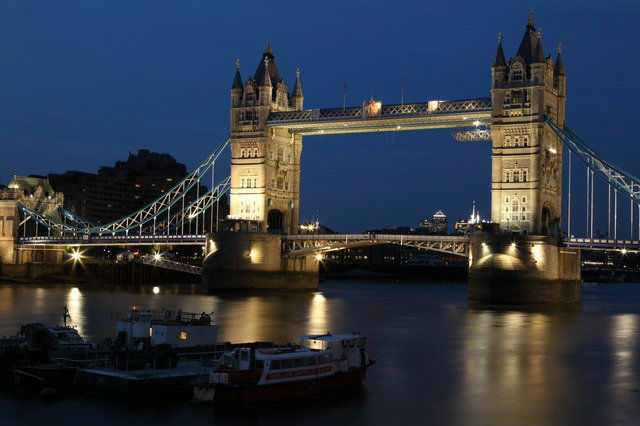 Tower Bridge la nuit