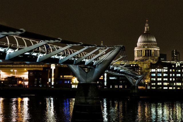 Millenium Bridge Nuit