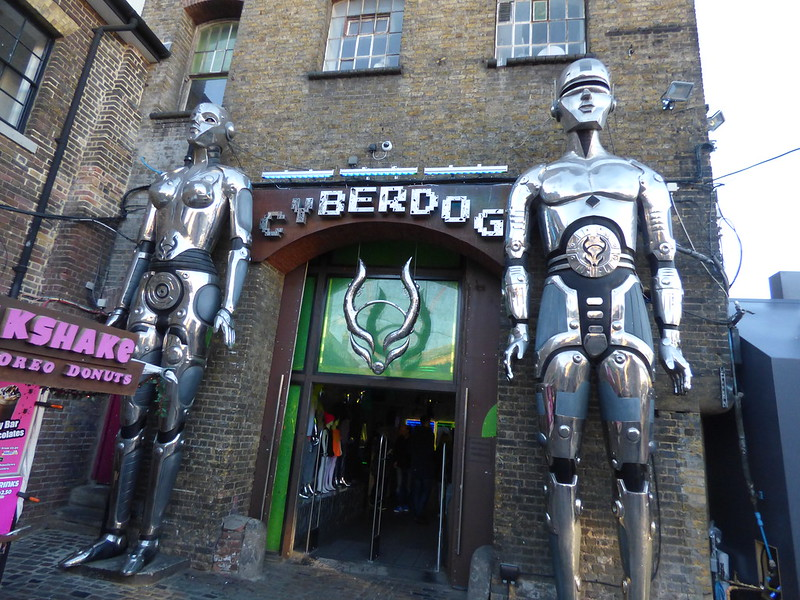 Cyberdog Camden Market Londres